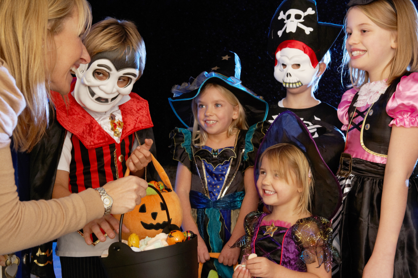 10 tips for safe and fun trick-or-treating